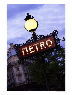 Metro_station_paris